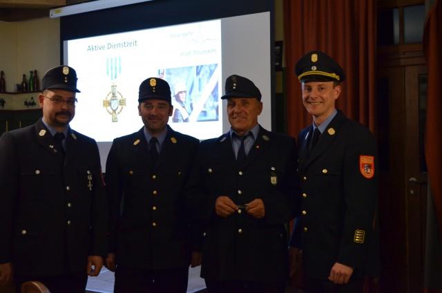 Erwin Eichschmid großes Ehrenzeichen für 50 Jahre Dienst in der Feuerwehr